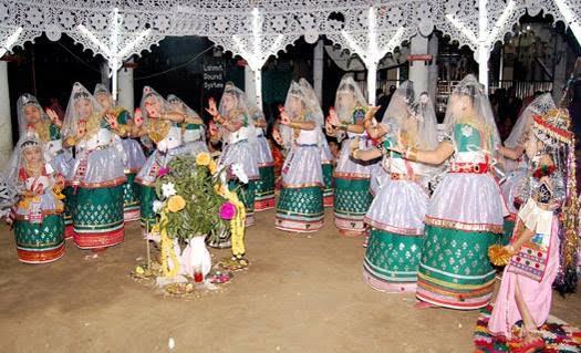 """মৌলভীবাজারের কমলগঞ্জে""""মহারাসলীলা""""মনিপুরী পল্লীতে উৎসবের আমেজ"""